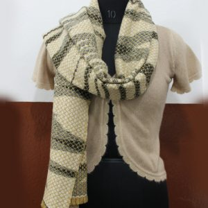 snake-pattern-shawl